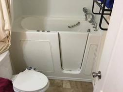 Walk In Tub  52 x 30 x 38 With Hardware/Pumps Used < 20 time